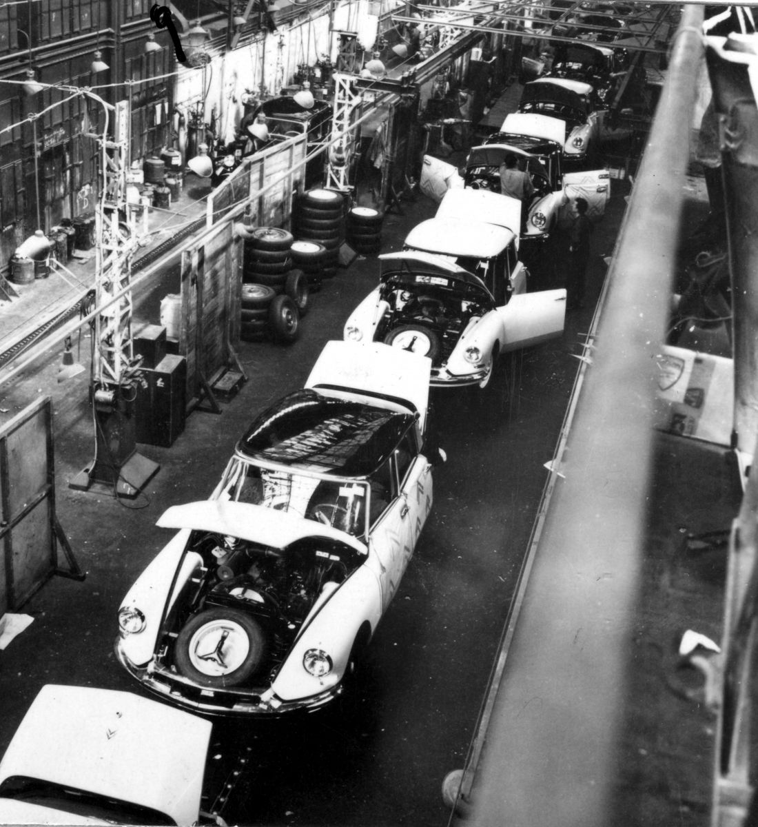 Production DS à Javel En 1957   5.863.9