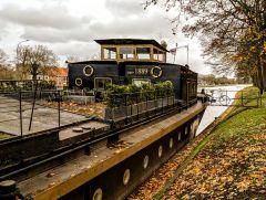 Brugge, West-Vlaanderen, плавучий дом Rio Claro