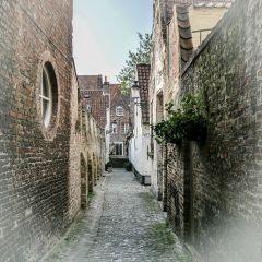 Одно из исторических местечек старого Брюгге