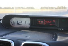 обратите внимание на скорость и температуру за бортом